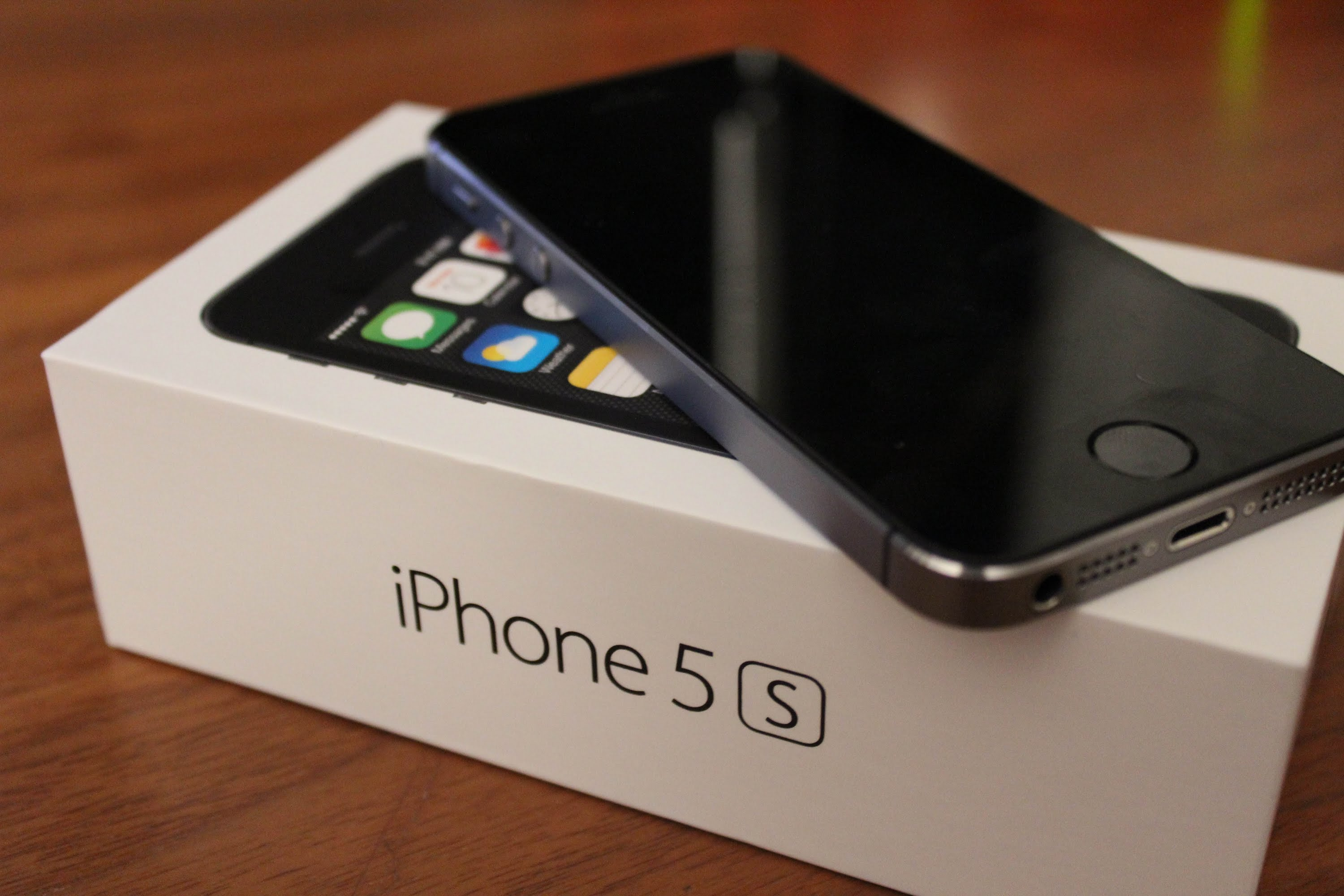 Apple iPhone 5s Gadget Review - File Edge