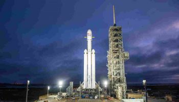 SpaceX Got U.S. Regulator to Back Satellite Internet Plan